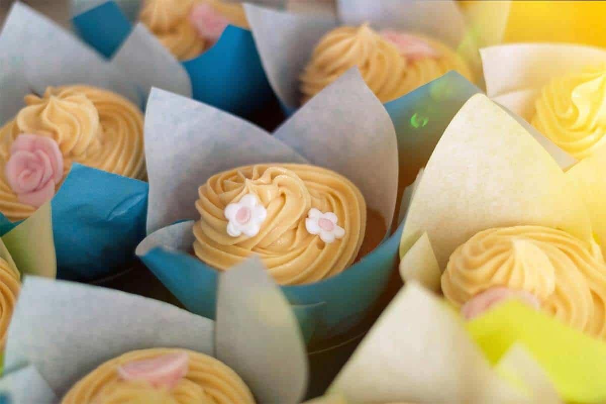 Schoko Cupcakes mit Erdnuss Topping