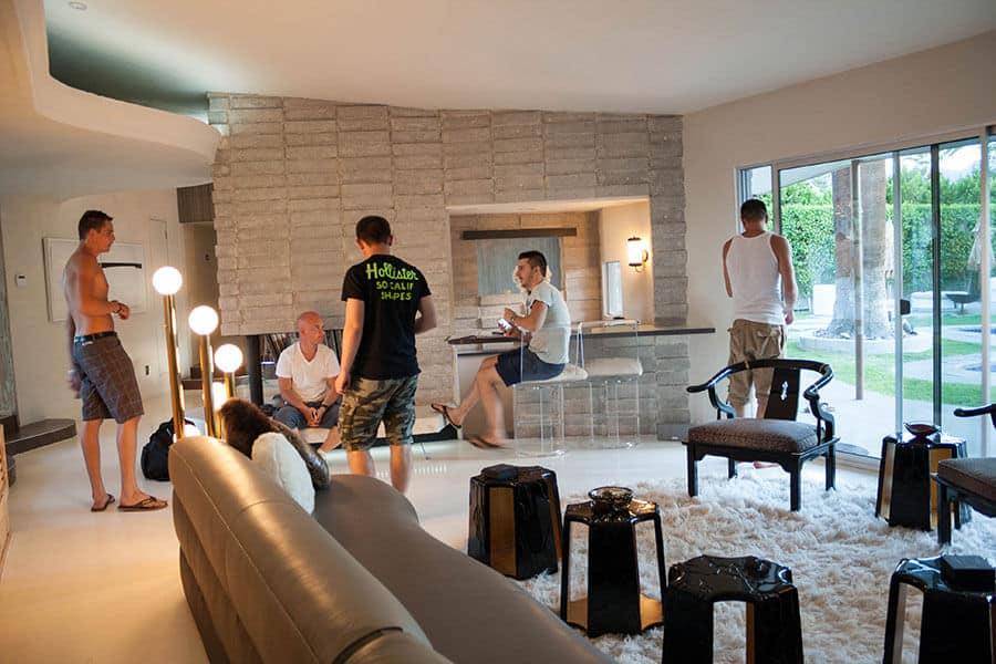 roadtrip usa palm springs luxus poolparties und bbq. Black Bedroom Furniture Sets. Home Design Ideas