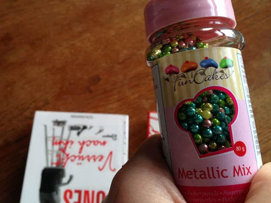 Bekam von einem Freund Zuckerperlen geschenkt.