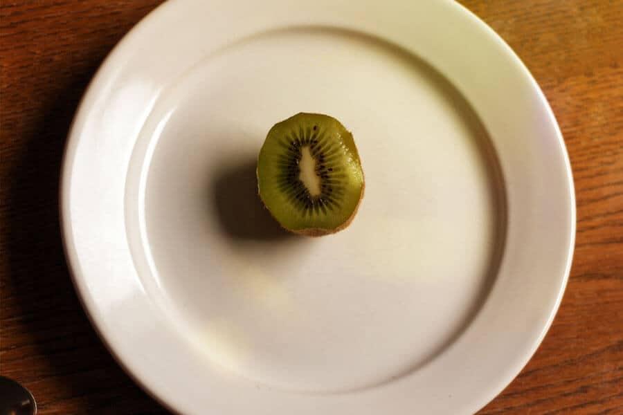 Zum Frühstück erst mal eine Kiwi. Yum Yum.