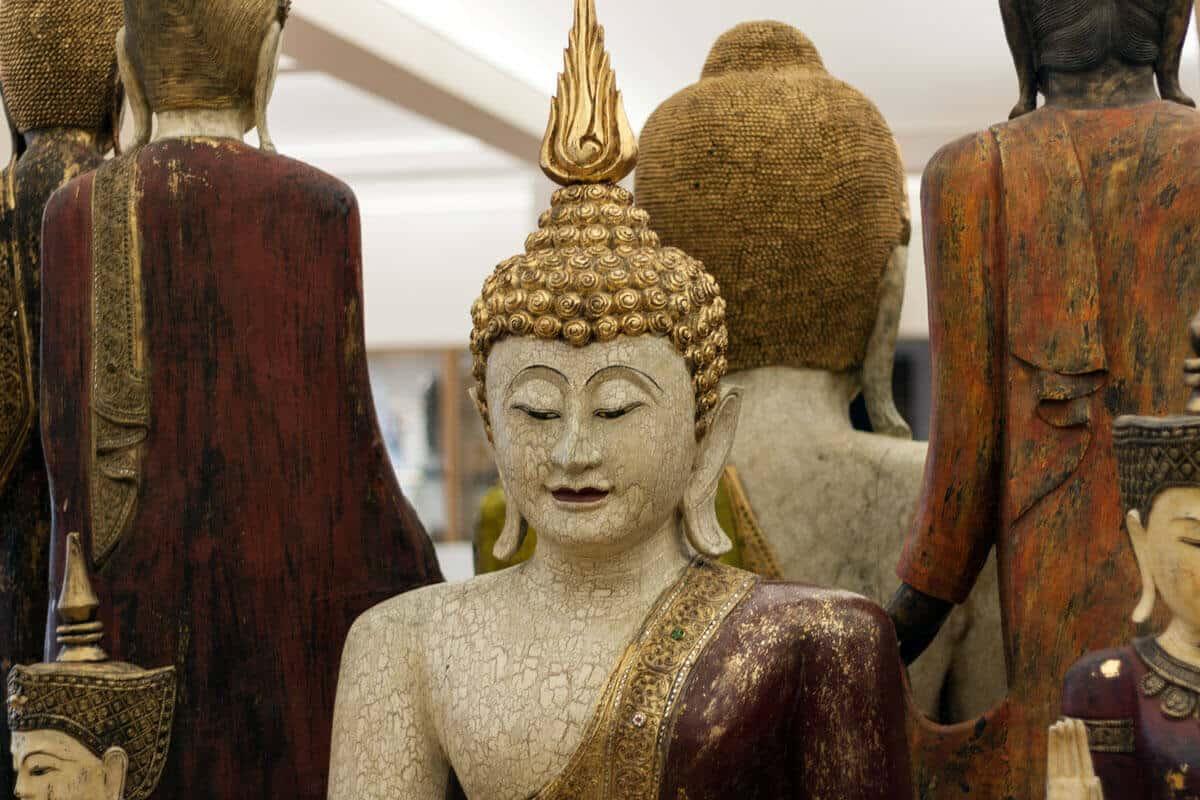 Mehrere Buddhas
