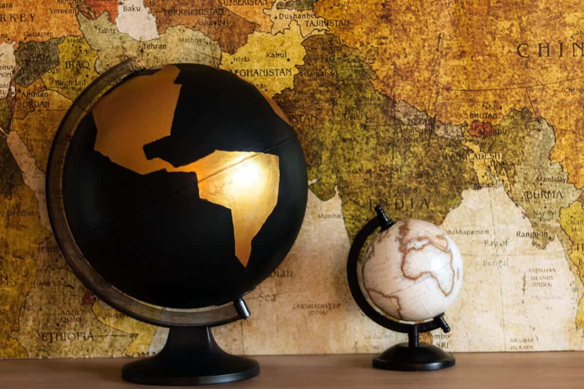 DIY für Weltenbummler: goldener Globus