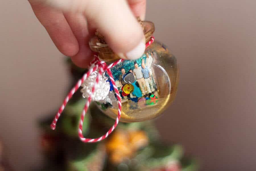 Photo Globes DIY Glitter