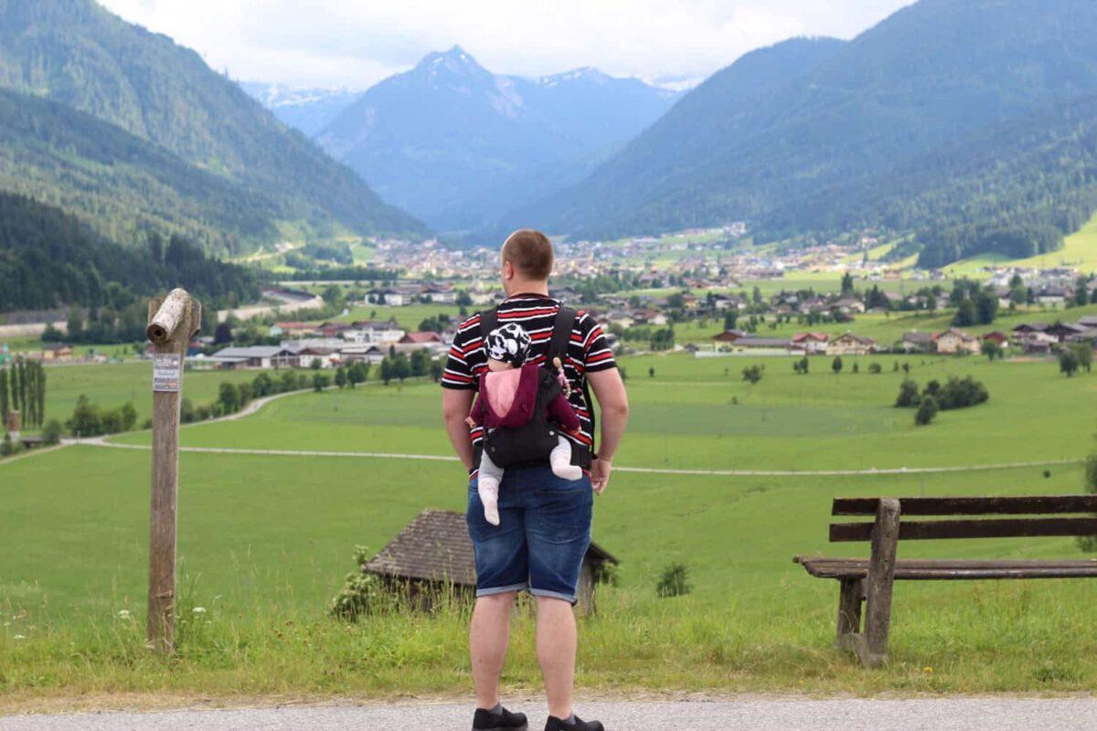 Mann mit Tochter in Österreich